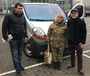 «Нові люди Черкас» придбали для відомої волонтерки мікроавтобус, про який вона мріяла 2 роки