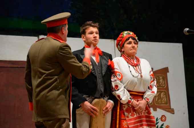 Театральний конкурс-огляд «Свою Україну любіть» відбувся у Золотоноші