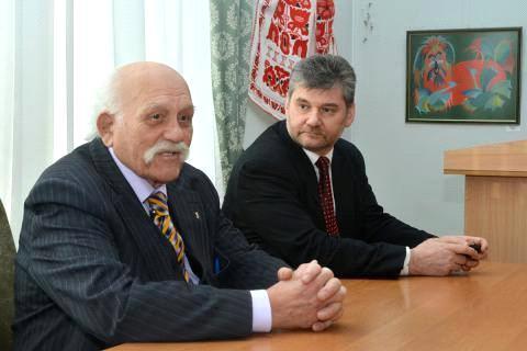 Ілько Корунець читає лекції в 95 років