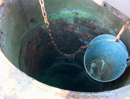 У Звенигородському районі чоловіка впав у 16-ти метровий колодязь