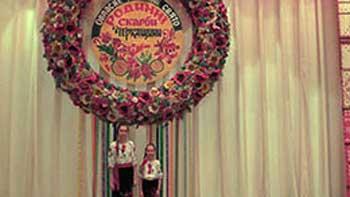 Вергунівський дует сестер покорив глядачів харизмою та чарівними дзвінкими голосами