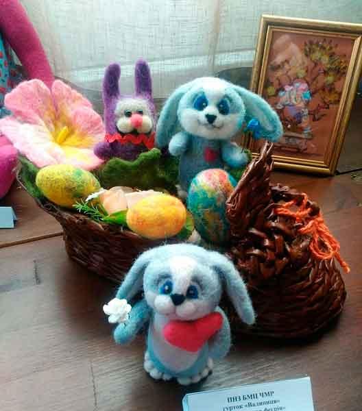 Фоторепортаж: виставка «Дитячий світ ляльки» у Черкасах