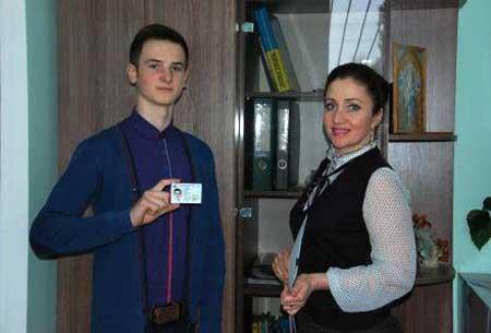 За інформацією завідувача Шполянського районного сектору Управління державної міграційної служби України в Черкаській області Валентини Щіпанської, закордонний паспорт можна замовити терміновий, нетерміновий, біометричний, а також другий діючий