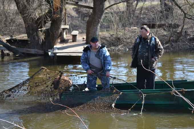 Черкасирибоохорона спільно з працівниками водного патруля затримали браконьєра