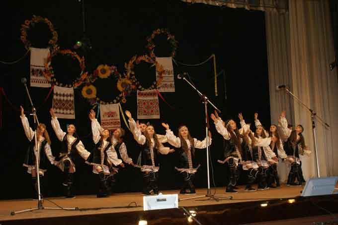 Відбувся концерт кращих аматорських колективів Чорнобаївщини