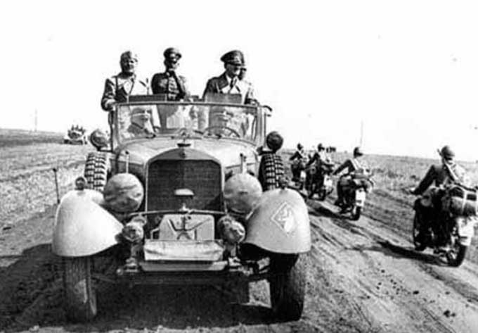 Гітлер і Муссоліні в Умані
