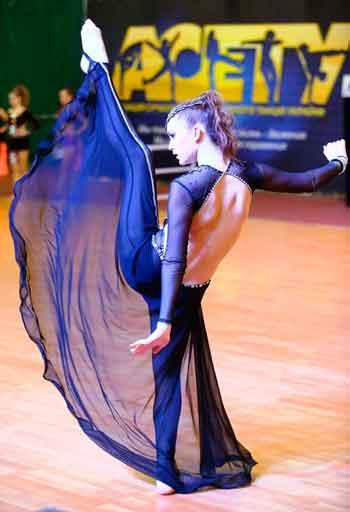 Черкаські танцівниці привезли з Одеси 30 нагород