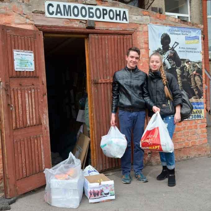 УДПУ імені Павла Тичини зібрав великодній кошик для солдатів