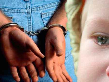 Черкасця, який розбещував малолітню доньку, засуджено до 8 років позбавлення волі