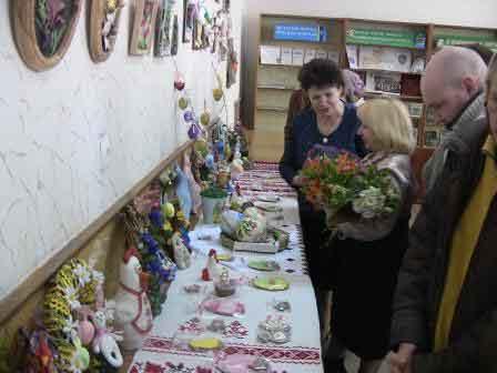 Великодня виставка робіт декоративно-ужиткового мистецтва майстра Ольги Задворської