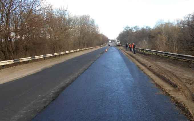Минулого тижня на дорогах Черкащини ліквідували ямковість на понад 11 тисяч кв. м покриття