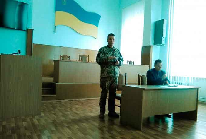 У Тальнівському районі розглянули проблемні питання щодо строкової служби