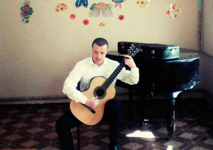 Викладач з Корсуня дав концерт та майстер-клас у Мошнах