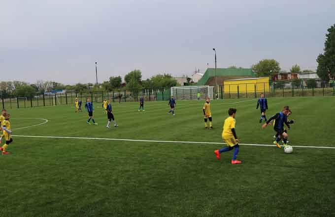 У Черкасах відкрили футбольне поле зі штучним покриттям у ДЮСШ «Дніпро-80»