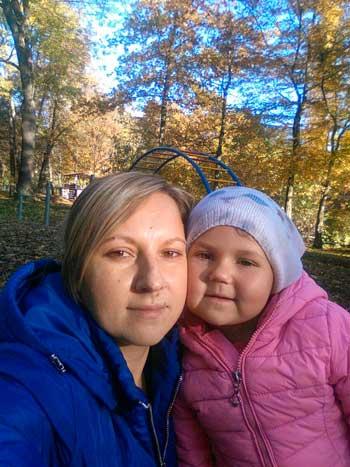 Дівчинці з села Максимівка на Уманщині терміново потрібна допомога