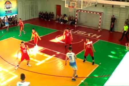 Команда ЧНУ вийшла до півфіналу Студентської баскетбольної ліги України
