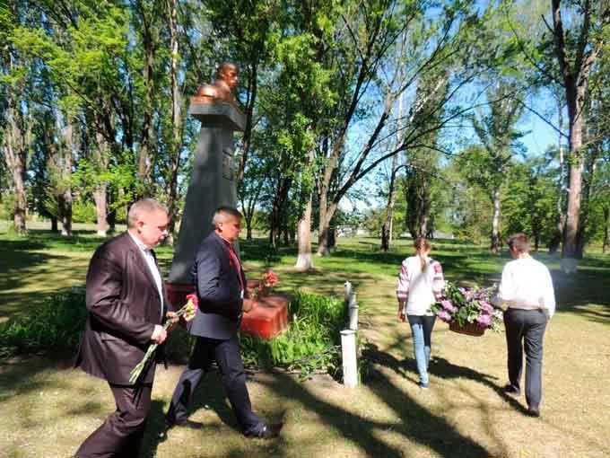 У Мойсіївці вшанували Тараса Шевченка з нагоди 156-ї річниці перепоховання праху