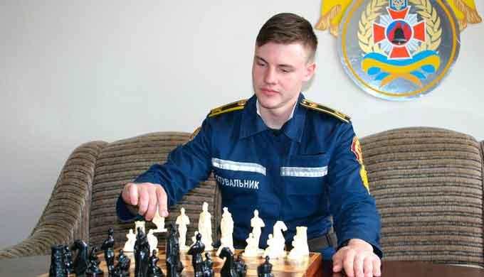 Курсант 5-го  курсу Дмитро Попов – переможець  обласних змагань з шахів