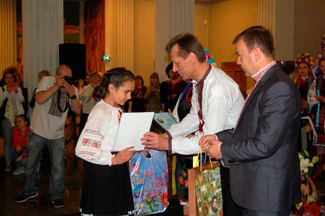 Уманщину представляла Ващенко Тетяна, учениця 6 класу Дмитрушківської ЗОШ І-ІІІ ступенів, яка стала переможцем фінального етапу Конкурсу. Результатом її праці є Диплом за зайняте І місце.