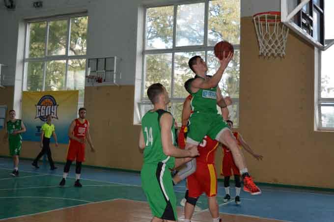 Півфінал Студентської баскетбольної ліги відбувся в ЧНУ