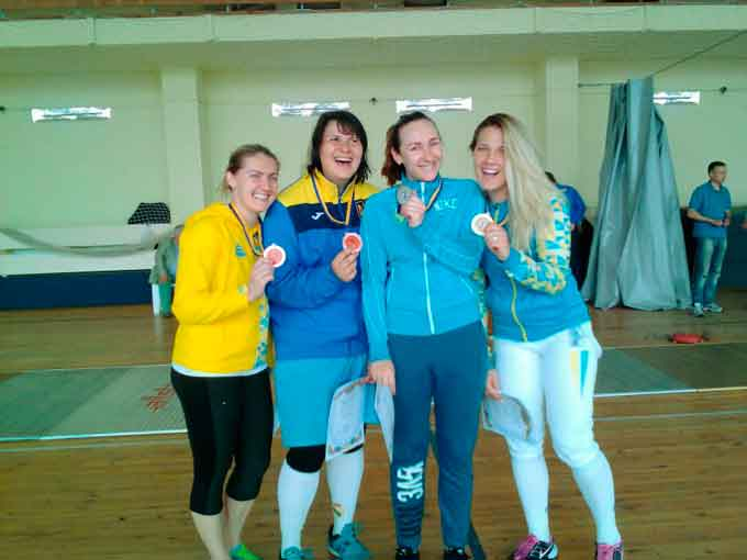 Команда черкащанок виборола «бронзу» чемпіонату України з фехтування на шаблях