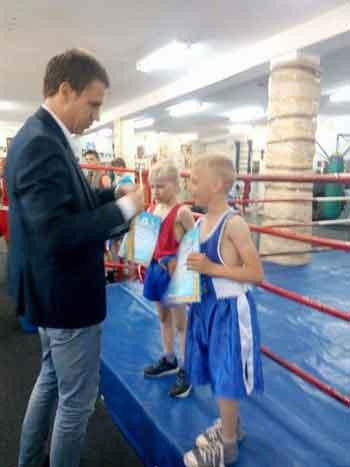 У Черкаському районі проведено відкритий чемпіонат з боксу серед юнаків