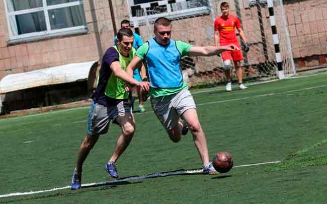 У ЧІПБ відбувся турнір з міні-футболу між випускниками 2017 року та викладачами інституту