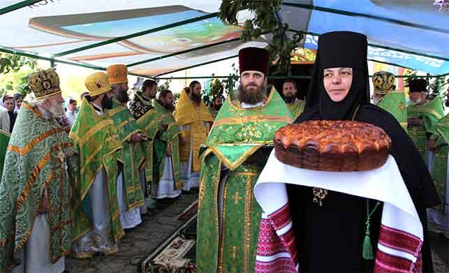 У Свято-Троїцькому Мотронинському монастирі відбулися урочистості на честь храмового свята