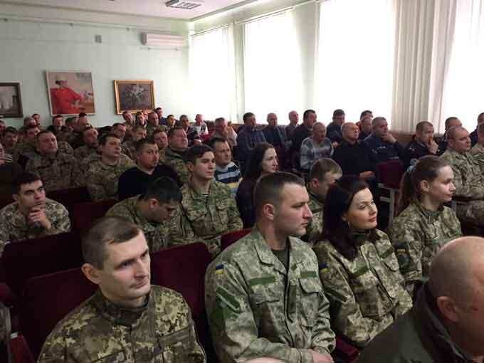 У Черкасах провели курси на допомогу звільненим військовослужбовцям