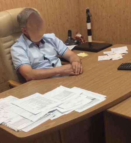 На хабарі в сумі 21 000 грн. затримано начальника філії одного з підприємств МВС України в області