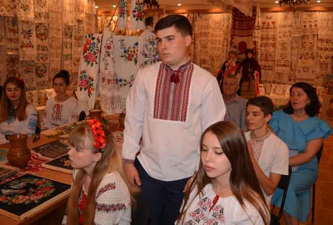 Відеорепортаж: ще один випуск екскурсоводів відбувся в Черкаському національному