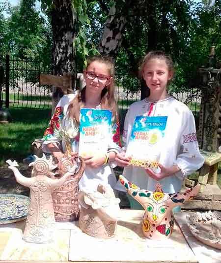 Вихованки студії «Сходинки» перемогли на Всеукраїнському фестивалі обдарованої молоді «КерамДиво-2017»
