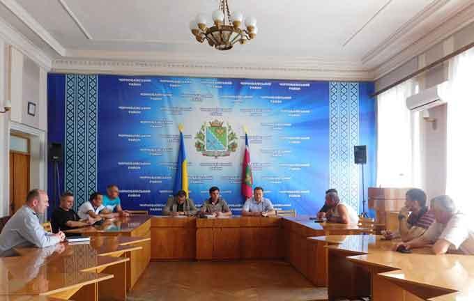 Громадська рада при Чорнобаївській РДА обговорила питання виділення земельних ділянок учасникам АТО