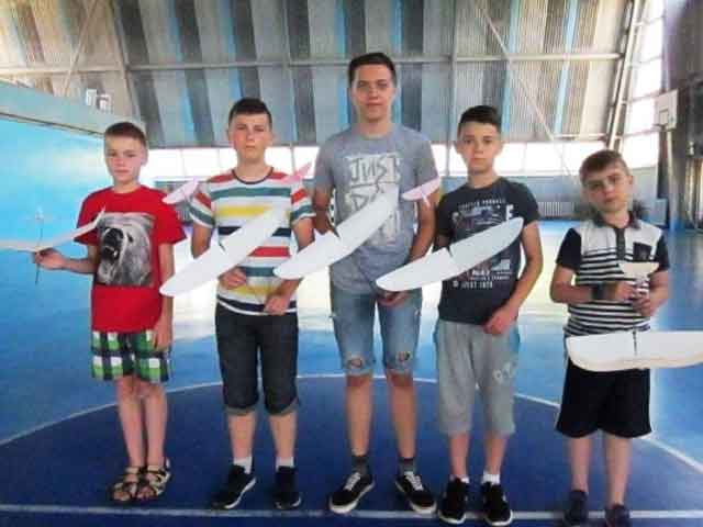 Відбулися обласні змагання учнівської молоді з авіамодельного спорту