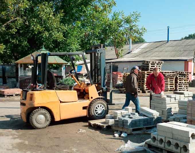 10 безробітних пройшли стажування за професіями «водій автотранспортних засобів» та «бетоняр»