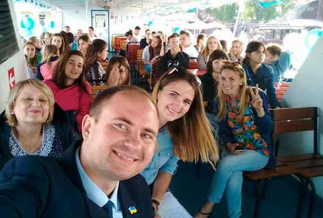 Громадські активісти ділилися досвідом із черкаськими студентами
