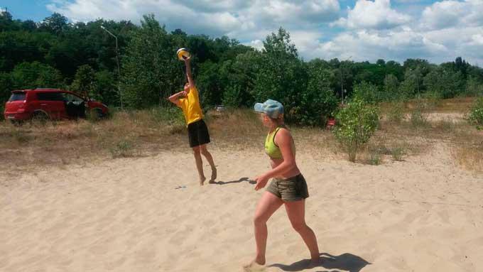 Відбувся відкритий Кубок Канівського району з пляжного волейболу серед змішаних пар