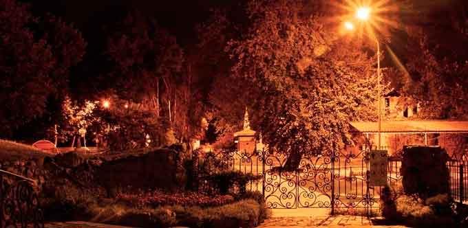 Дитячий парк в Черкасах вночі