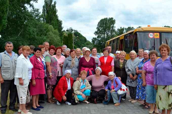 Маньківські пенсіонери відправились у подорож до Канева
