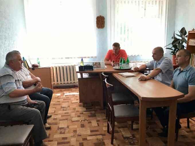 Для ремонту дороги в Сунках смілянські владці запропонували шукати дольників