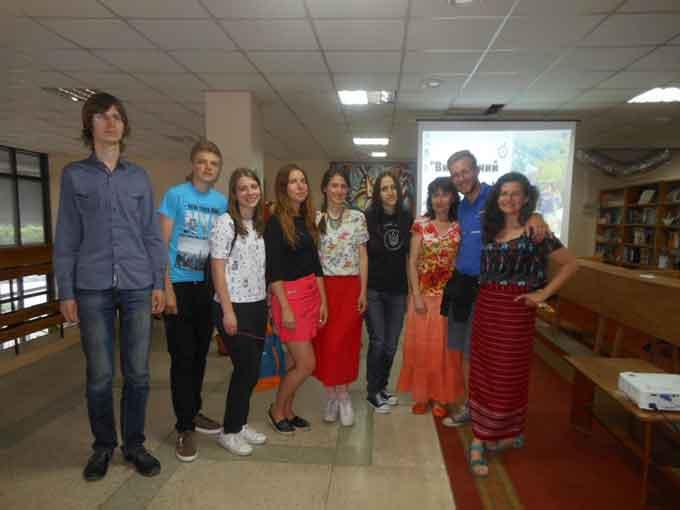Черкаси зустріли тревел-блогерів, які мандрують «Вишиваним Шляхом»