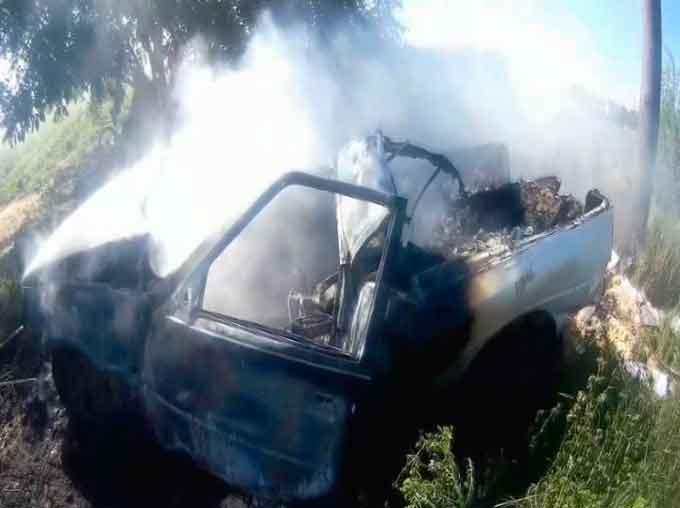 В Черкасах горів автомобіль, водій отримав опіки (відео)