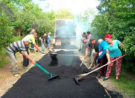 У Зеленій Діброві селяни відремонтували шляхи власноруч і втричі дешевше