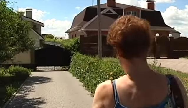 Відеорепортаж: на Черкащині колектори виселили родину із будинку