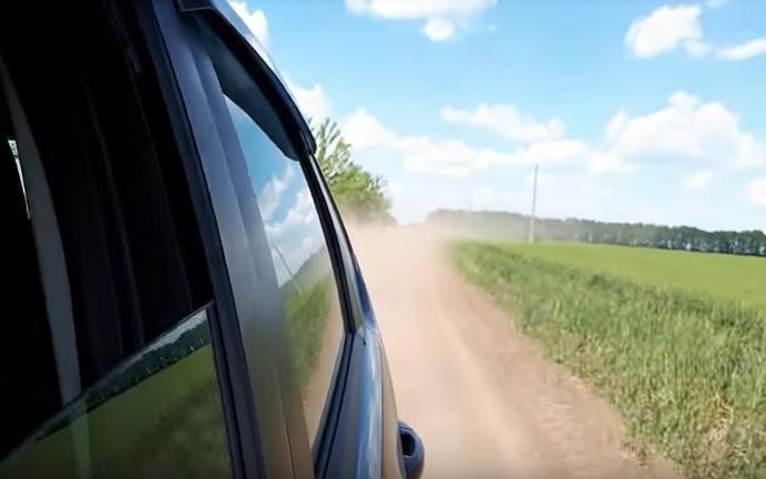 Черкаська область: водії Шполянського району радять встановити дорожні знаки «проїзд лише на тракторі» (відео)