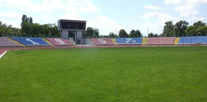 Поле розбрату: ФК «Черкаський Дніпро» не мириться із керівництвом Центрального стадіону (відео)