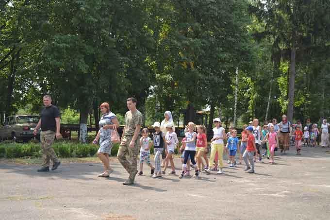 У Смілянському лісгоспі побували понад півтори сотні дітей з церковного табору (фото)