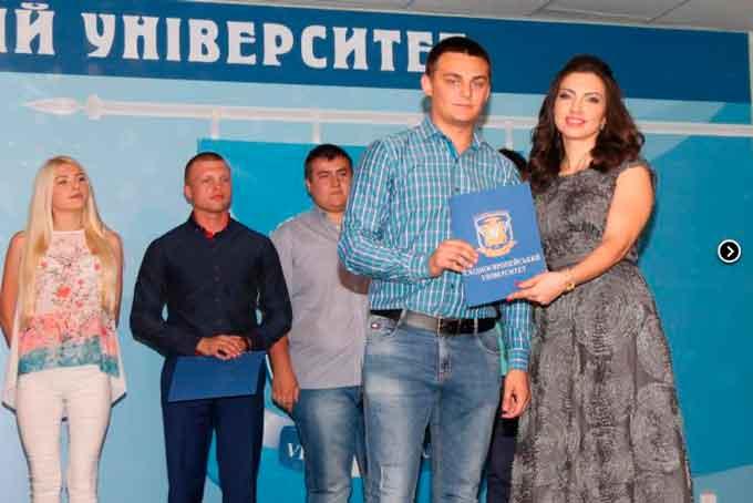 У Східноєвропейському університеті вручили дипломи випускникам (фото)