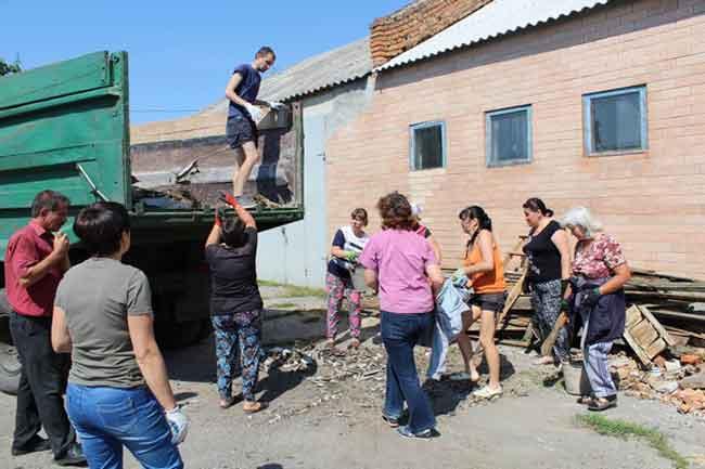 Перші 119 постраждалих сімей смт Чорнобай отримали допомогу на ліквідацію завданих негодою збитків