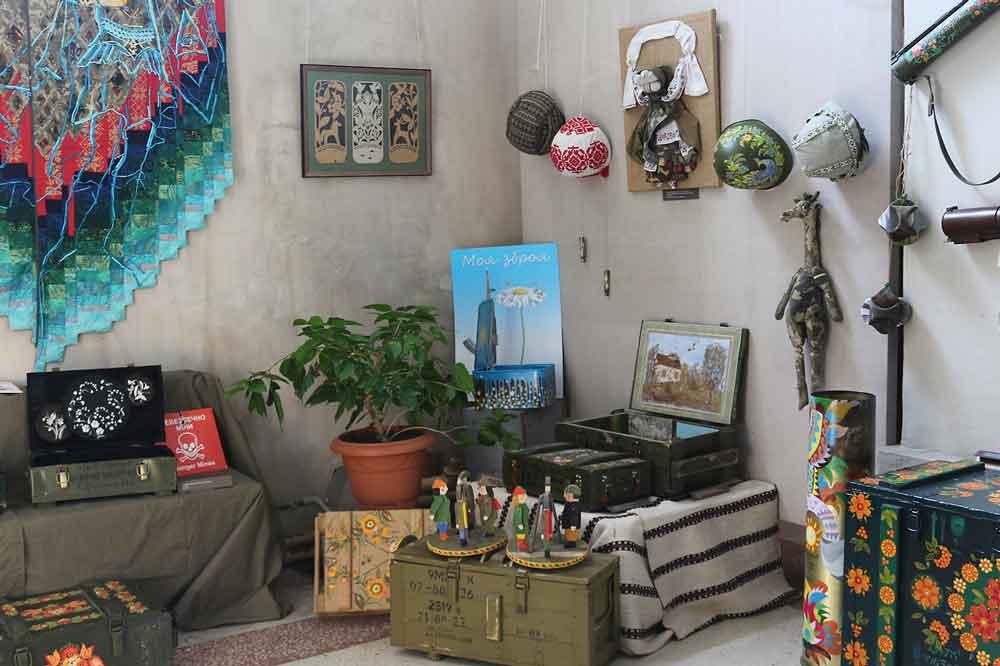 В Умані відкрився всеукраїнський мистецький проект «Військово-польовий АРТ» (фото)